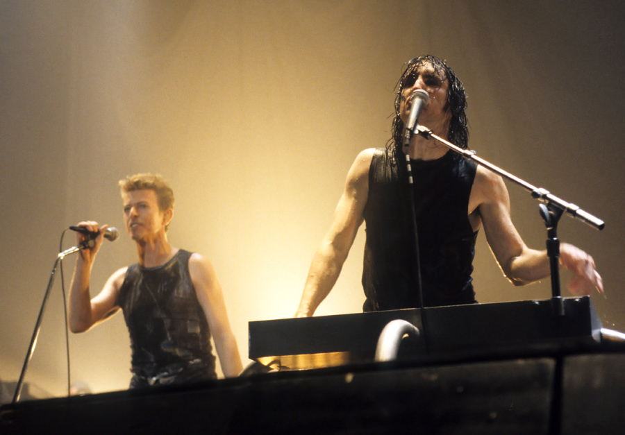 Outside Tour: The Nine Inch Nails Duets | Pushing Ahead of the Dame