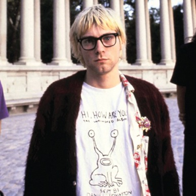 kurt-cobain-hi-how-are-you-alien-tshirt